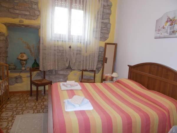 Abitazione privata ....SA STANZA ANTIGA, vacation rental in Serri