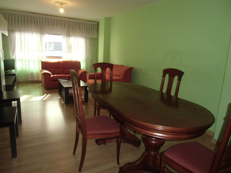 piso amplio, holiday rental in San Lorenzo