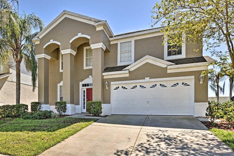 Välkommen till ditt centrala Florida hem-away-from-home som rymmer upp till 12 gäster!