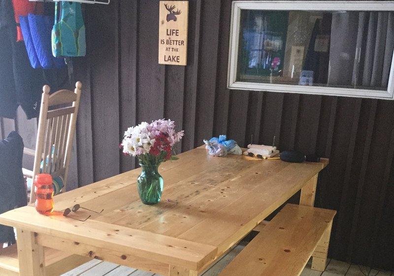 Party Porch vertoond dineren voor 10.