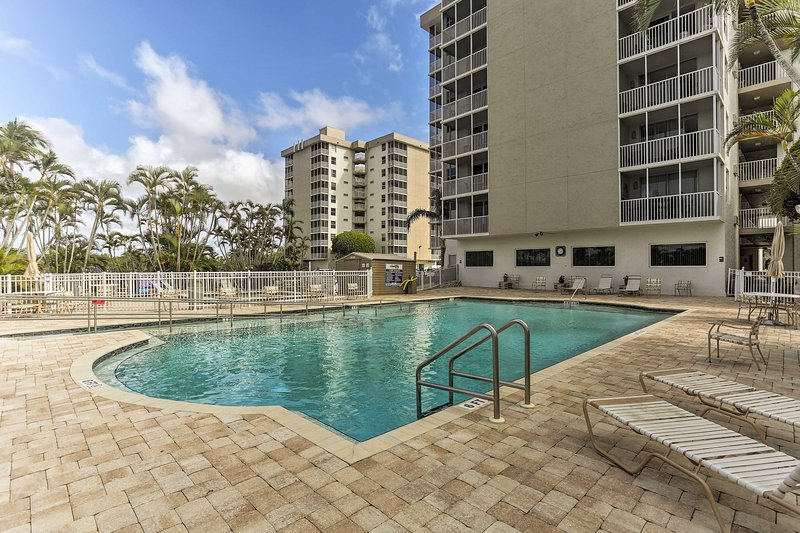 Enjoy Bonita Springs from this vacation rental studio for 6.