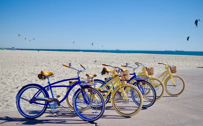 Godetevi kite-surf, animazione in 2 ° strada, Shoreline Village o Downtown Long Beach.