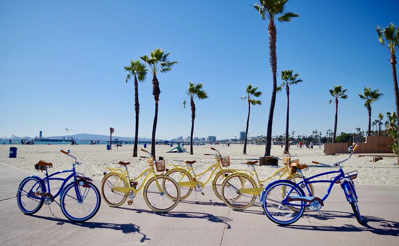 Biciclette gratuite fornite, vicino alle spiagge super divertente, porti da crociera. C'è molto da fare e da vedere.