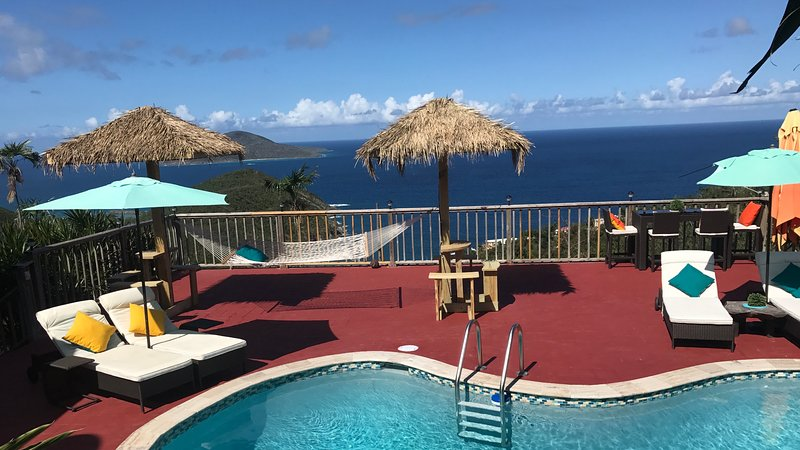 Luxury Honeymoon Suite/ Wifi/ Gated/ Privacy/ Private Pool/ Hot Tub, vacation rental in St. Thomas