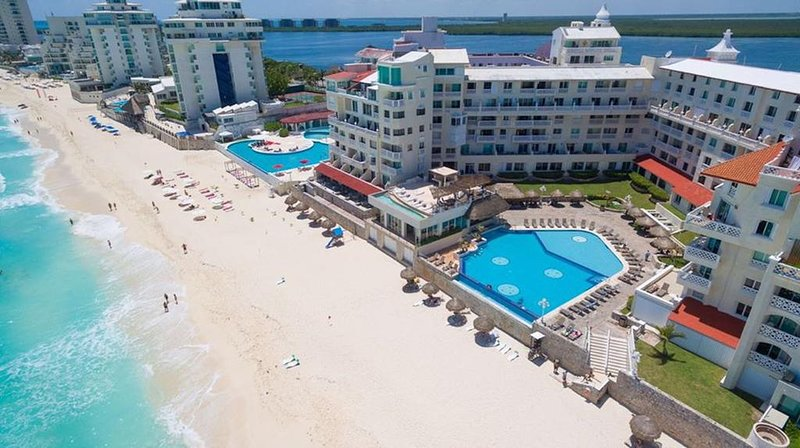Cancun Ocean front  Suite 4001 with Kitchenette – semesterbostad i Cancún