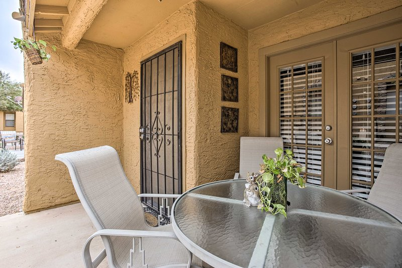 Even dine al fresco while on your Phoenix vacation!