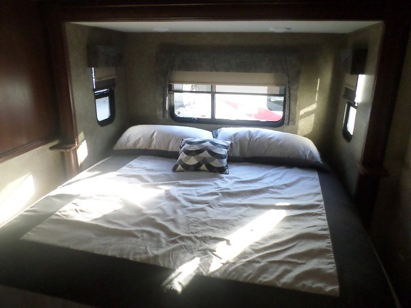 2016 Forest River Georgetown 364 TS, vacation rental in Taylorsville