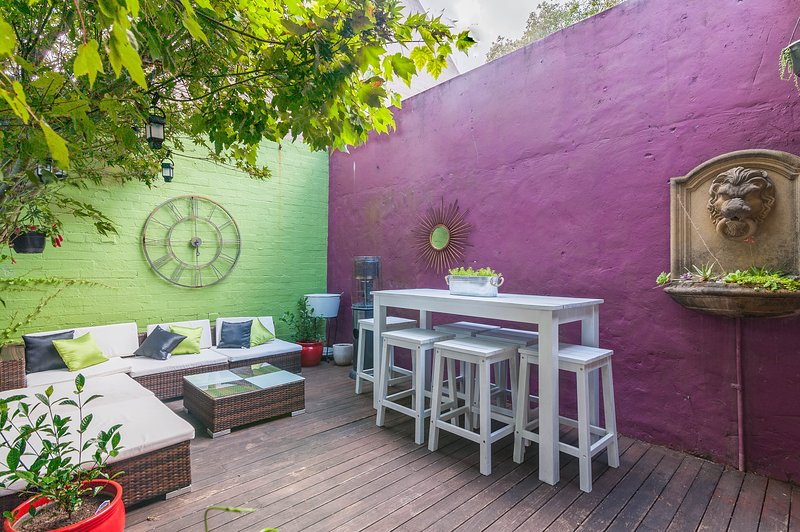 Funky terrace in Surry Hills with entertaining deck. 5 mins from Central, casa vacanza a Kensington