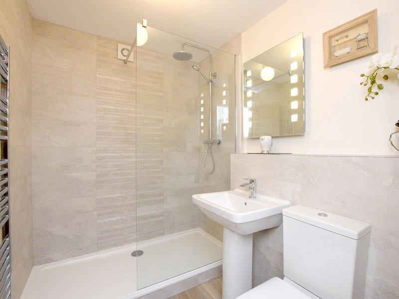 A stylish shower room (new for 2018)