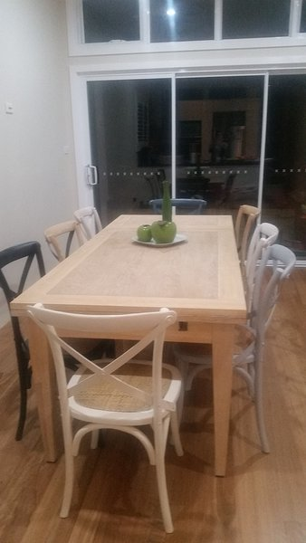 Dining area table extends to fit 10