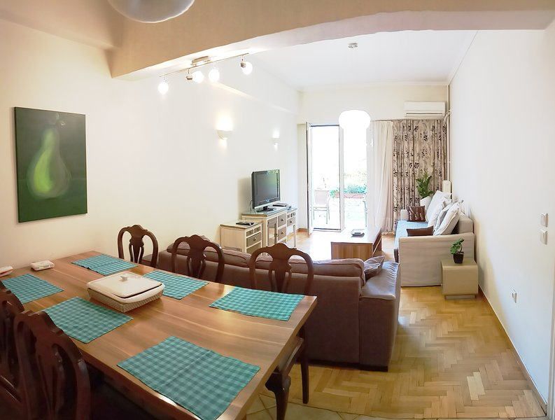 Athens Quality Apartments - No6, 3-bedrooms, 2 bathrooms, holiday rental in Athens