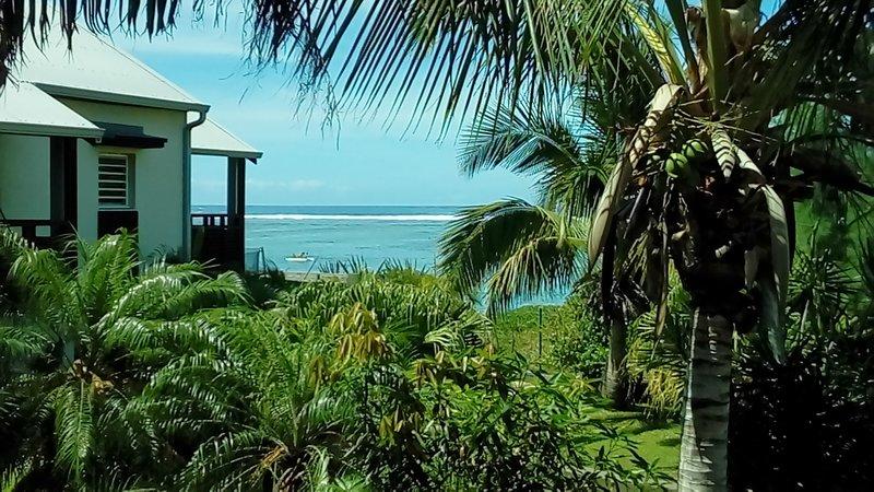 Amazing apt with sea view & terrace, location de vacances à La Saline les Bains