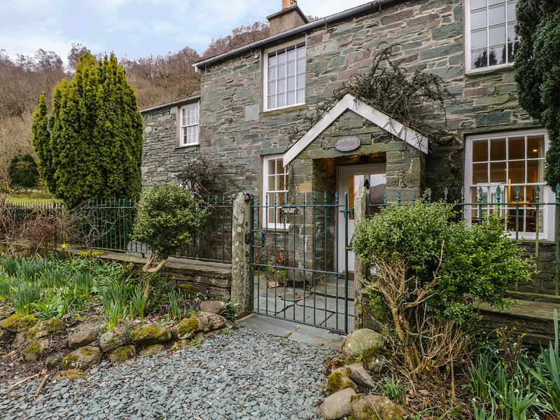 COOMBE COTTAGE, Borrowdale, 4 bedrooms, sleeping 8 people, location de vacances à Seatoller