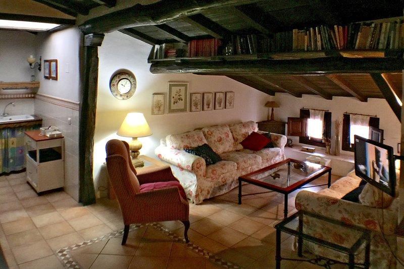 Valle del Jerte, casa El Callejon de la Gila, vacation rental in Hervas