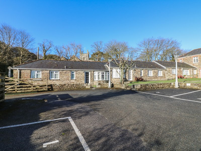 CHURCH VIEW converted semi-detached barn, feature stone walls, Penhallow, Ref, holiday rental in Penhallow