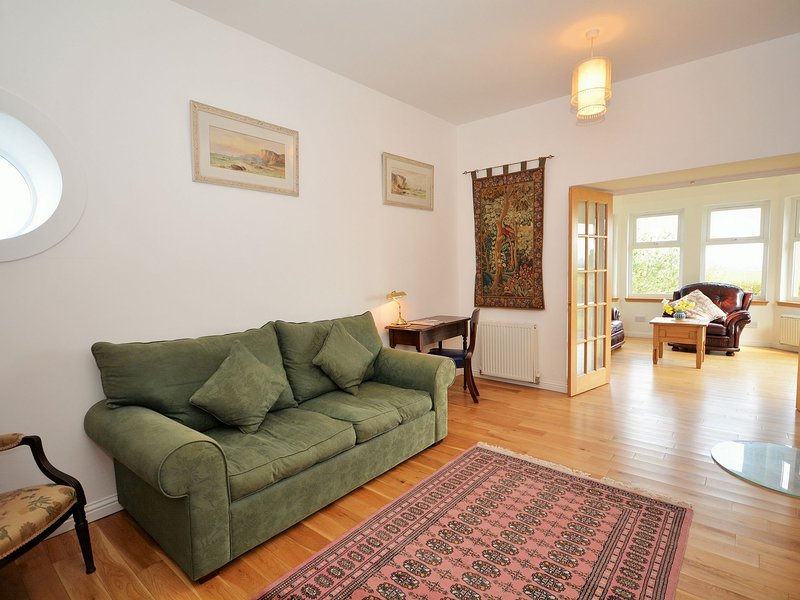 Garden Centre: AY153 Cottage Situated In Largs (10 Mls S)