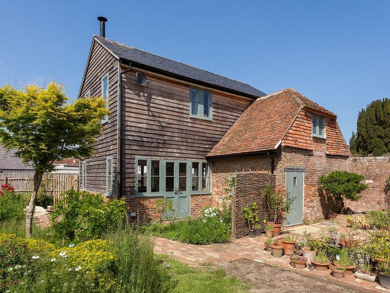 Ver hacia la bonita casa de campo