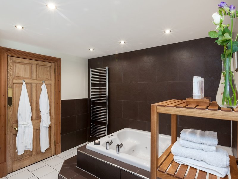 Relax in the luxury double spa bath