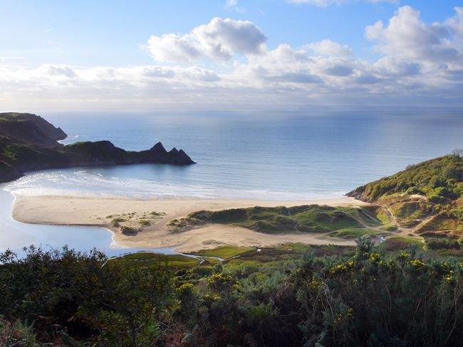 Beautiful Three Cliffs Bay
