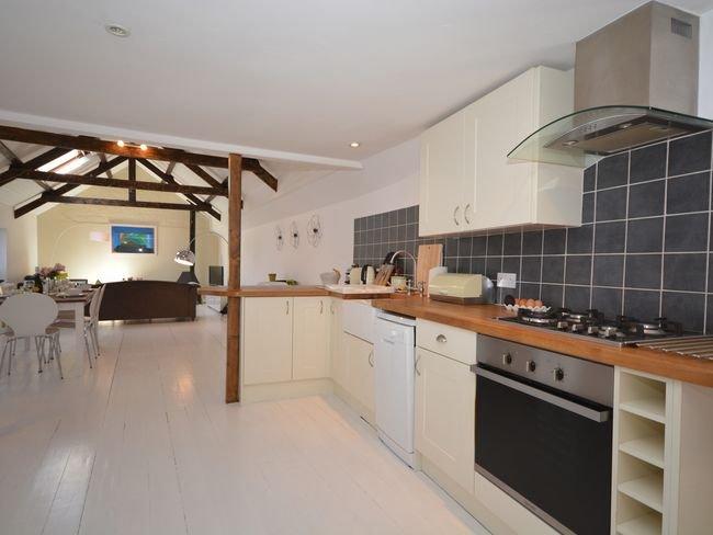 Spacious dining/kitchen/lounge area
