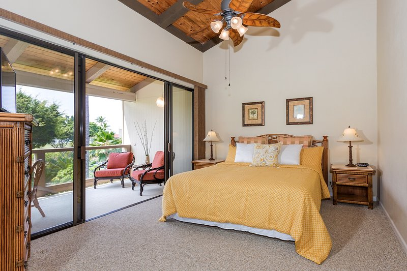 Surf & Racquet Club 6-303 - Master bedroom with lanai