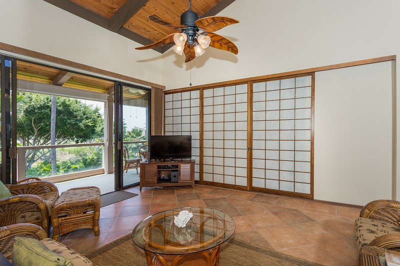 Surf & Racquet Club 6-303 - Living room with TV