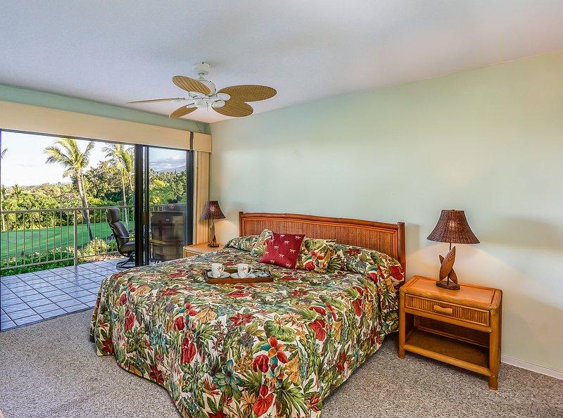 Keauhou Punahele #B202 - Master bedroom california king bed
