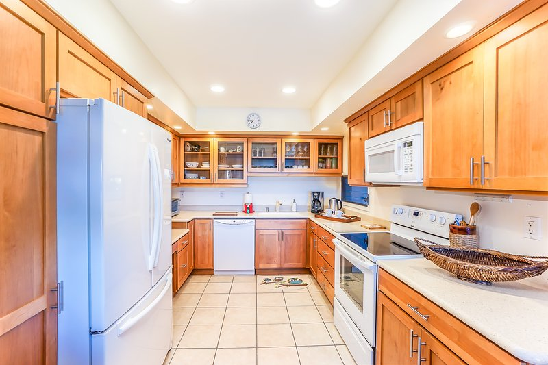 Keauhou Punahele #B202 - Kitchen appliances