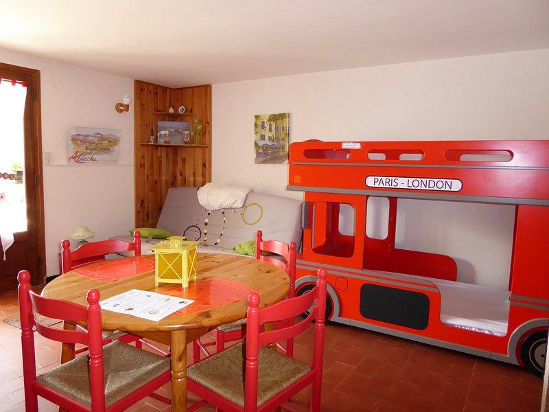 GITE 1 - ST MARTIN D ARDECHE - GITES PLEINE NATURE, vacation rental in St Just d'Ardeche