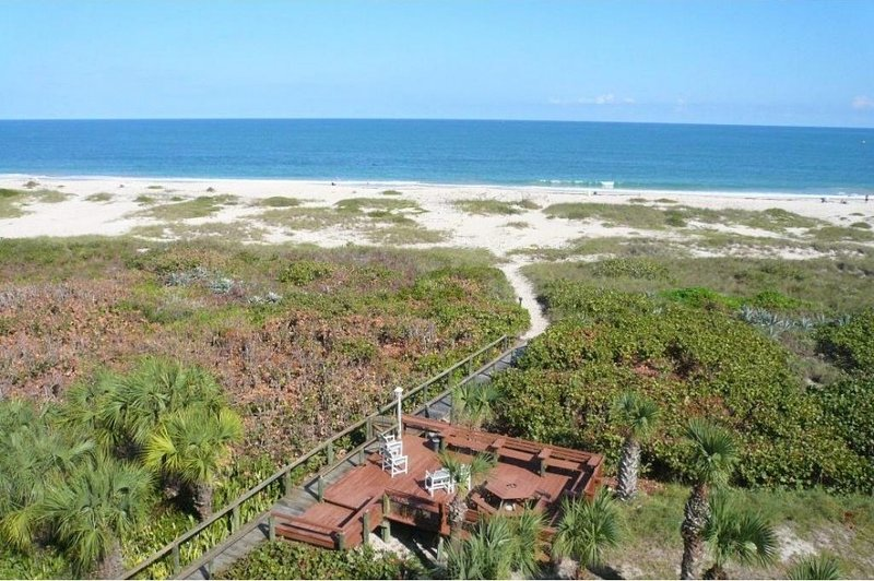 Right over your balcony......from deck to ocean