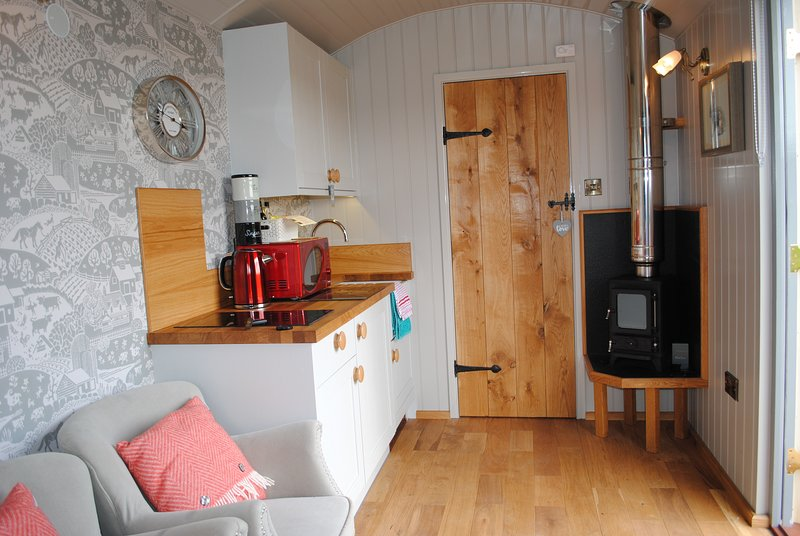 Little John's Cosy Cabin at Fairview Farm Holiday Accommodation in Nottingham, holiday rental in Mansfield