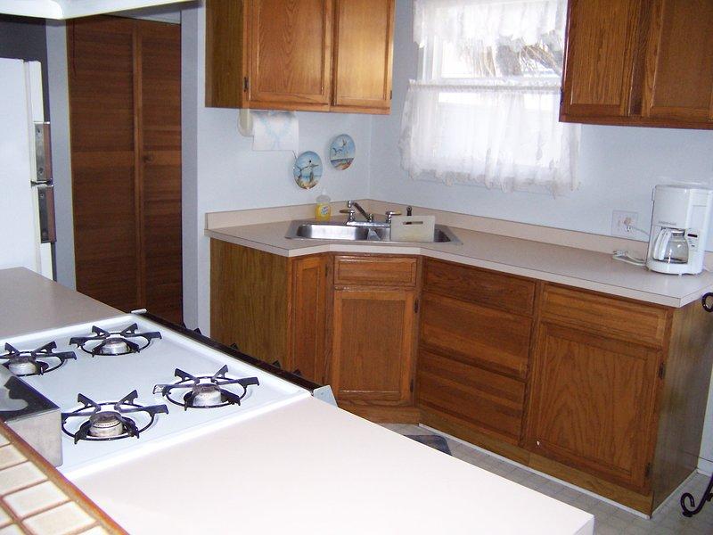 369 Stimson-Kitchen