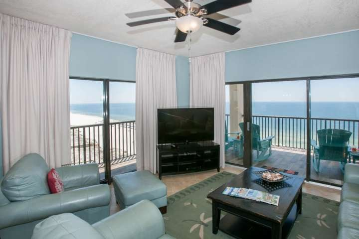 Living room looking over 10th floor Gulf front views