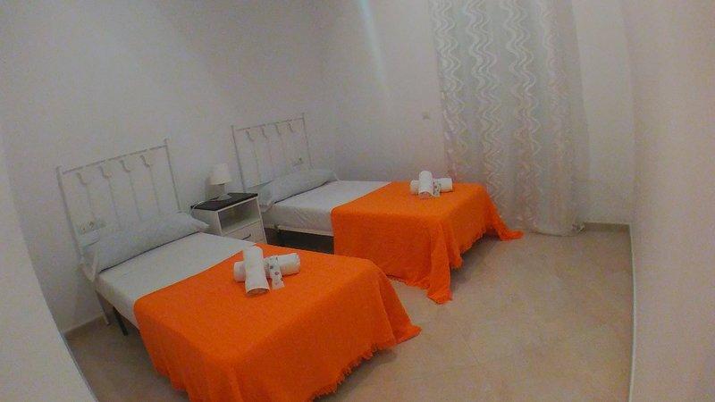 LZ23-Urbanización Zahazar, holiday rental in Facinas