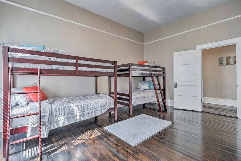 Two twin-over-twin bunk beds provide sleeping space for 4!