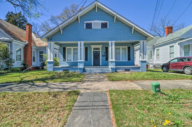 This house is in the perfect location to explore historic Columbus!