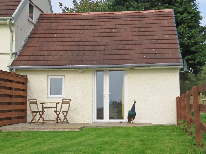 Kinganton Bothy, private studio with sea views, holiday rental in Isle of Whithorn