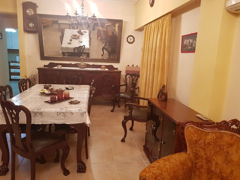 Thissio Apartment, holiday rental in Tavros
