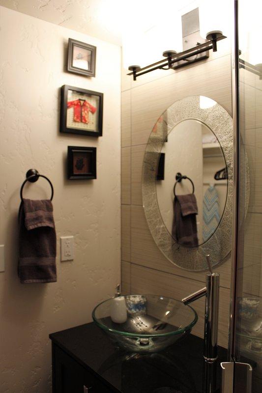 Seductora fregadero cuarto de baño