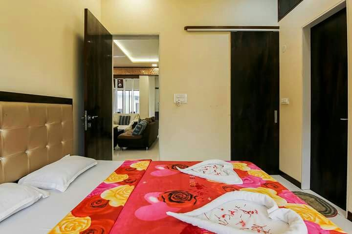 DP service apartment - Navi Mumbai - Bedroom 1, holiday rental in Navi Mumbai