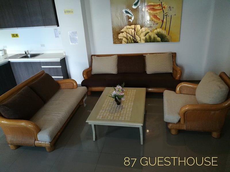 Comfy Apartment - Unit G - 87 Guesthouse, Baguio City, alquiler vacacional en Benguet Province