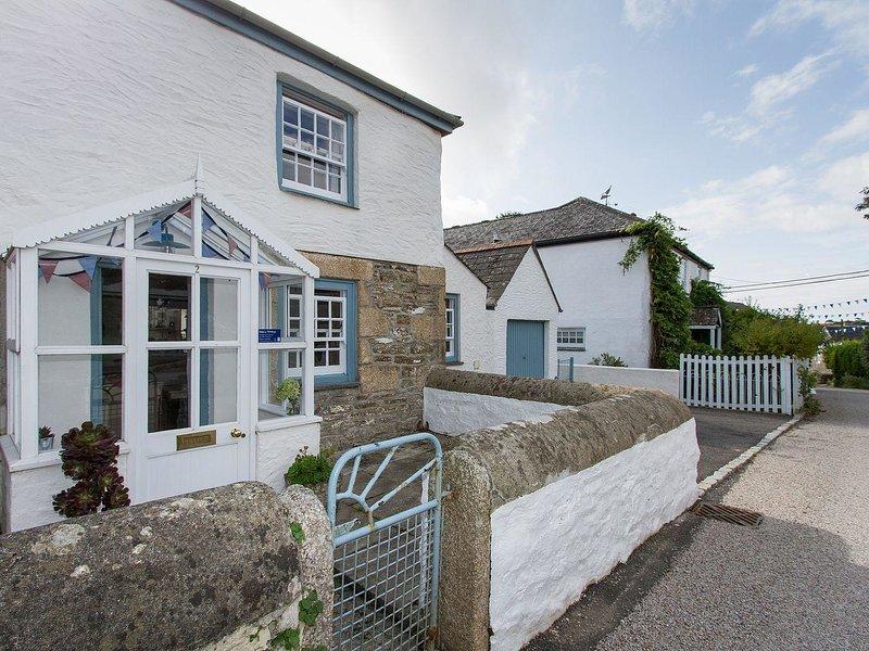 2 TRERISE COTTAGE, smart, semi detached cottage in quiet Cornish Village, close, holiday rental in Gillan
