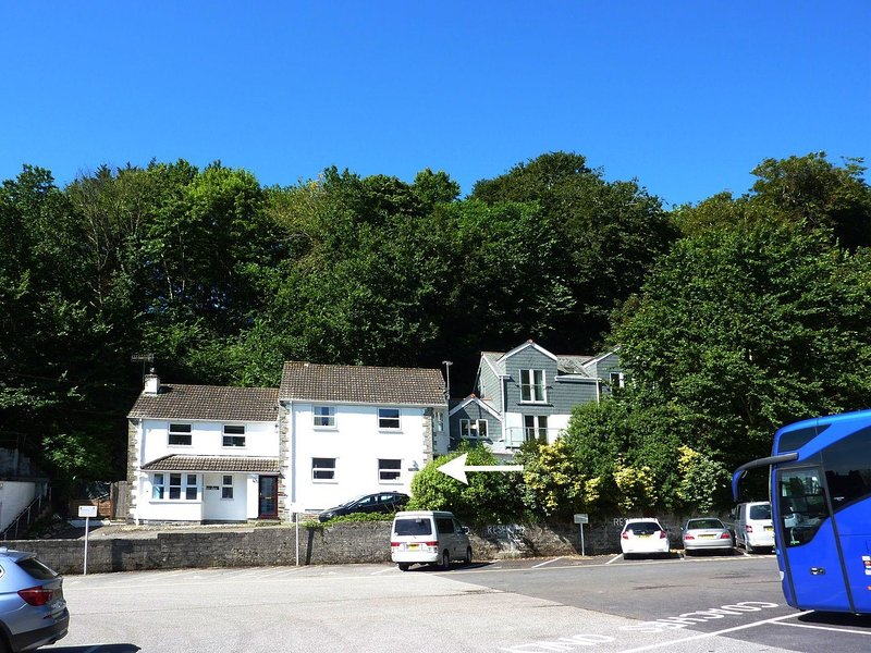STONES THROW, cosy ground floor apartment in popular Cornish harbour village, location de vacances à St Mawes