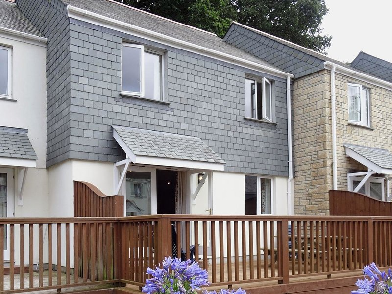 HERONS REACH, smart, comfortable house on a family friendly complex, with, Ferienwohnung in Maenporth