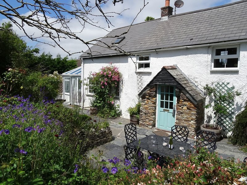 Mays Cottage, St Issey, holiday rental in St Issey