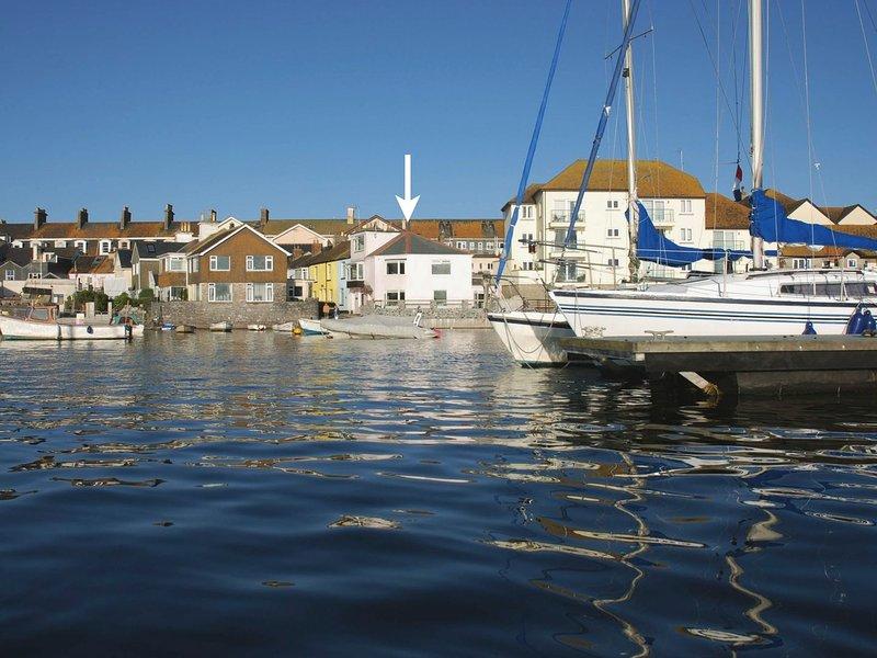 THE SALTINGS, beachside cottage with harbour views, close to beach, play park, aluguéis de temporada em Teignmouth