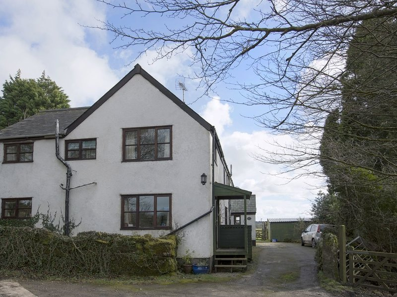 THE ANNEXE, HIGHER LYDGATE FARMHOUSE, peaceful Dartmoor cottage with wood, vakantiewoning in Hexworthy