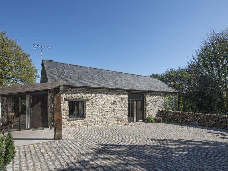 ROCKMEAD, big detached converted Devon barn in peaceful Dartmoor hamlet, holiday rental in Moretonhampstead
