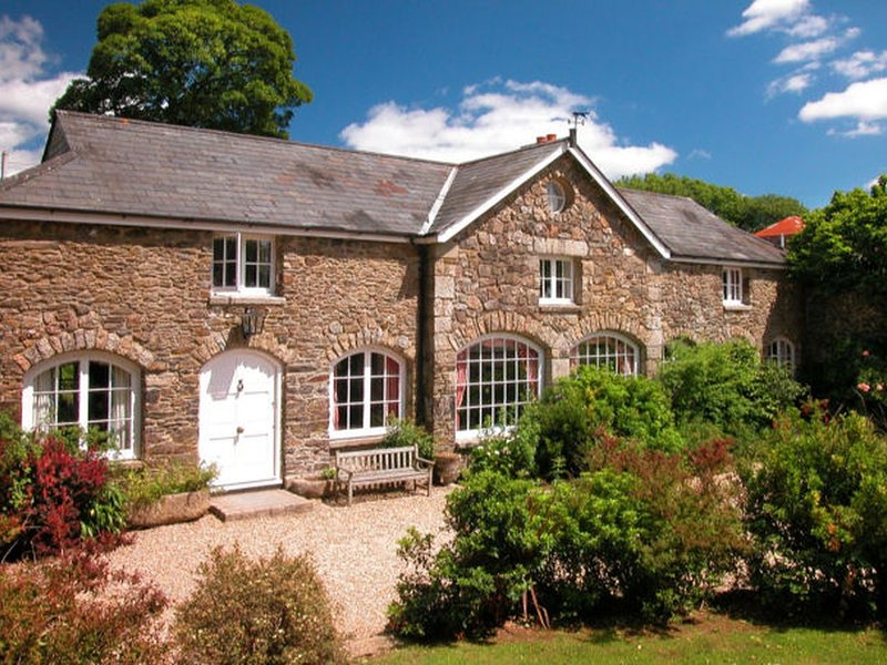 THE COACH HOUSE, spacious coach house on traditional moorland farm, holiday rental in Lydford