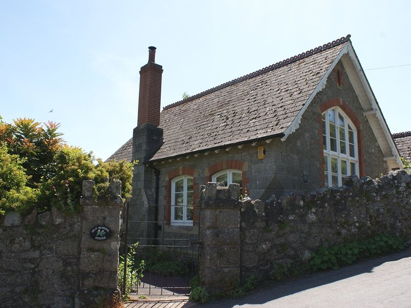 THE OLD SCHOOL HOUSE, charming Victorian school house in picturesque Dartmoor, casa vacanza a Dunsford